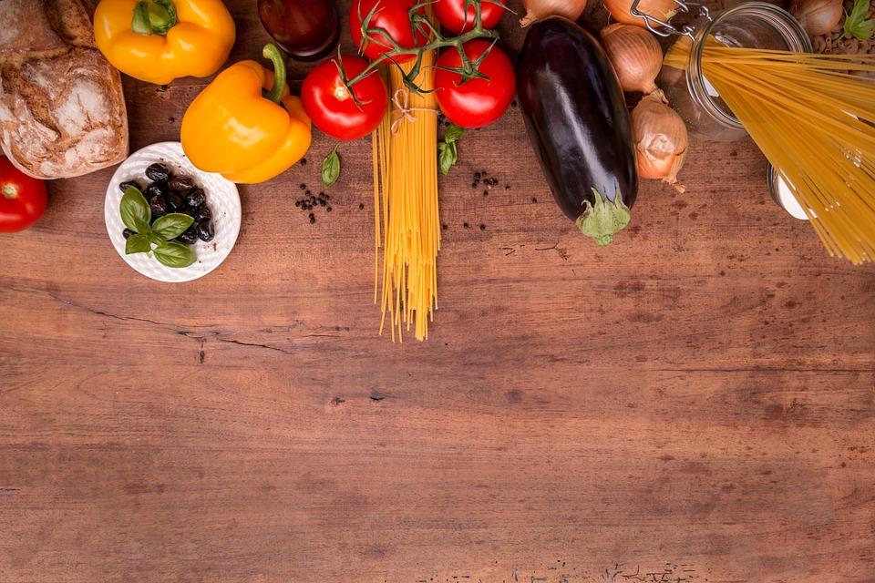Come alimentarsi durante la preparazione calcistica